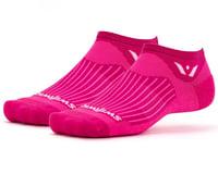 Swiftwick Aspire Zero Socks (Fushia)